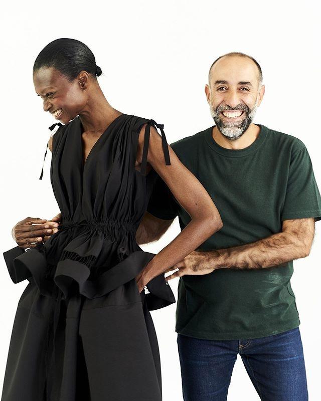 Maison Rabih Kayrouz在去年才因為慶祝品牌成立20周年,搬進目...