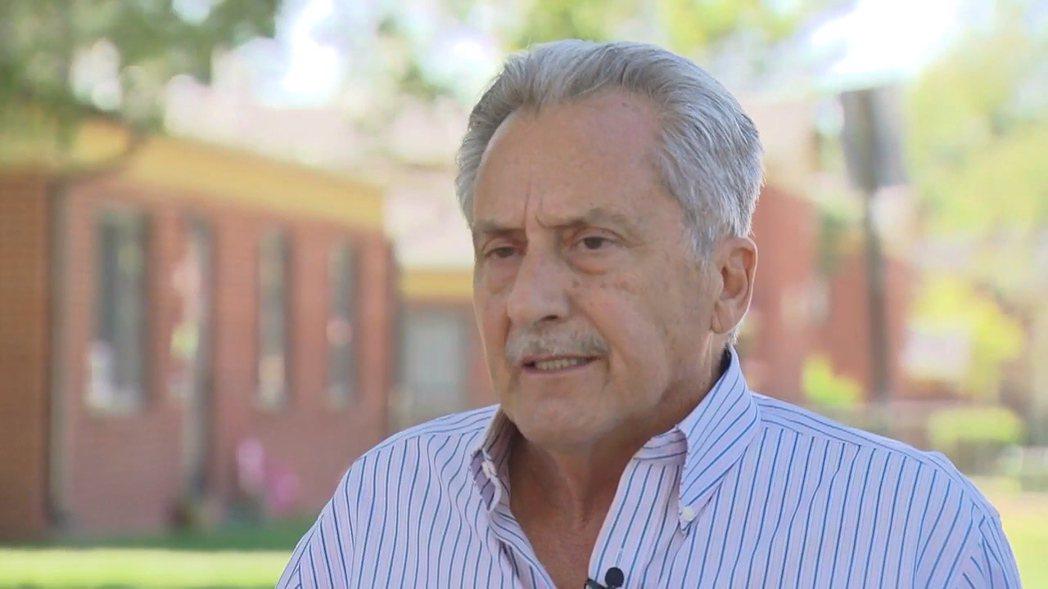 美國科羅拉多州丹佛市退休警察辛寬塔近50年前執勤時遭到槍擊,一直未曾放棄尋找後來...