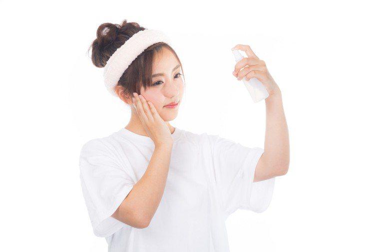油性肌膚隨時注意肌膚降溫。圖/摘自pakutaso