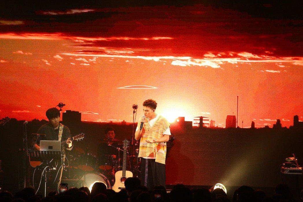 黃偉晉今晚舉辦第二場「背光旅行」音樂會。圖/愛貝克思提供