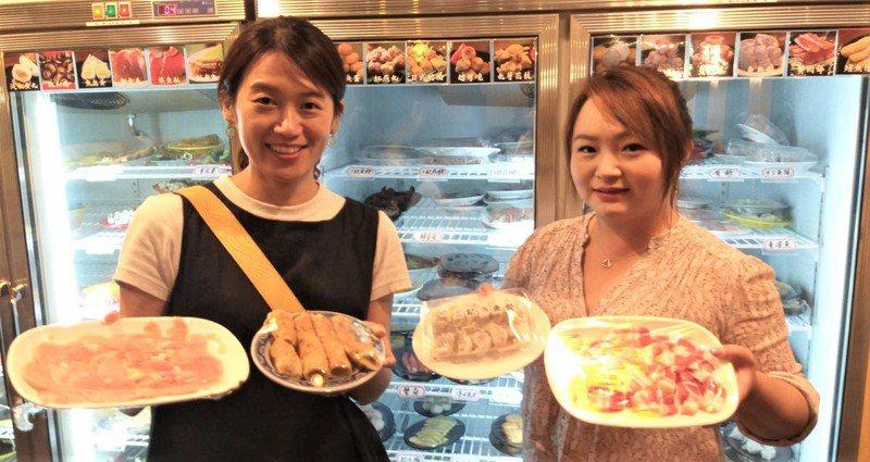 基隆市潮境公園望海巷石頭火鍋食材有在地特產吉古拉,溫體鮮肉也很受歡迎。記者邱瑞杰/攝影