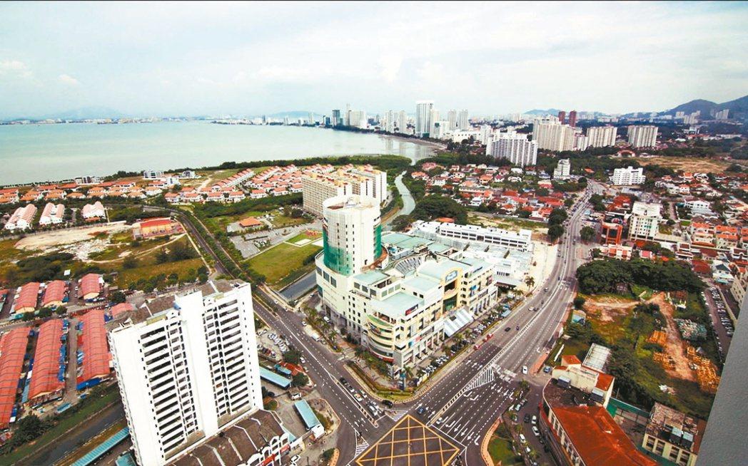 丹絨道光(Tanjung Tokong)位在檳島東北端,是海外華人在檳城首個移居...
