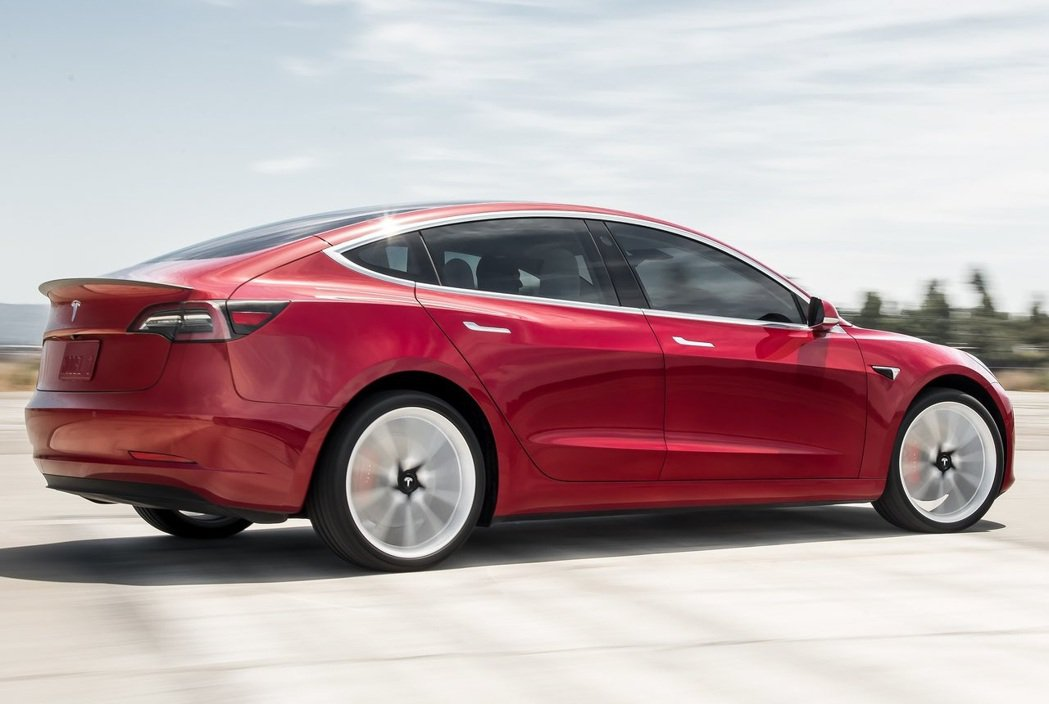 Tesla Model 3。 摘自Tesla