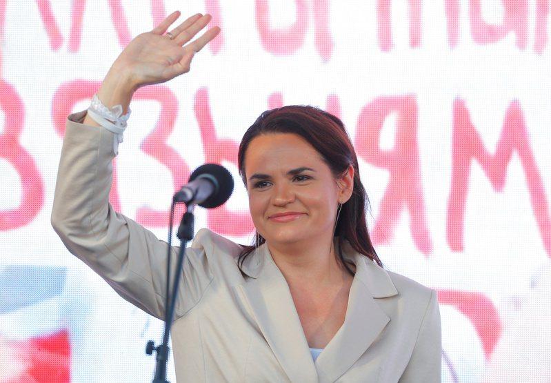 主婦季哈諾夫斯卡婭代夫選總統。 路透