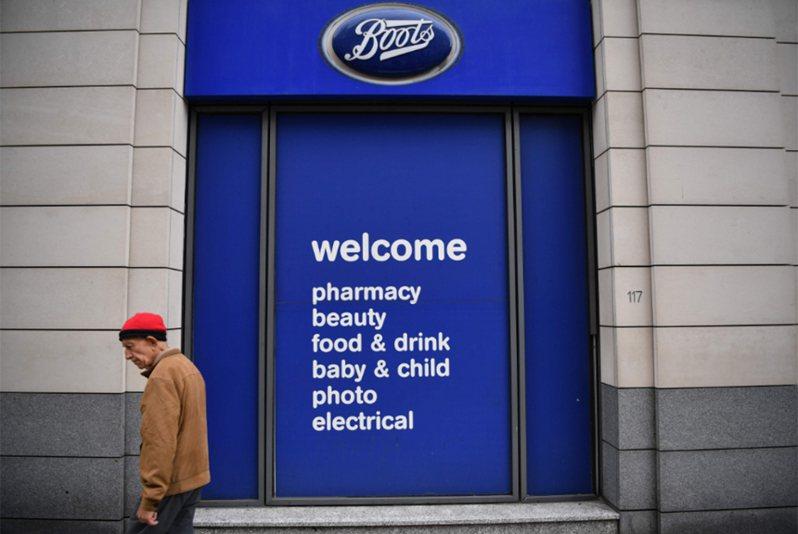 英國知名藥妝店BOOTS七月即傳出至少將裁員4000人。 法新社