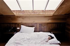 近期一項研究顯示,睡眠能幫助大腦保留舊有記憶,讓人類不會因為學習新事物而忘記原本...