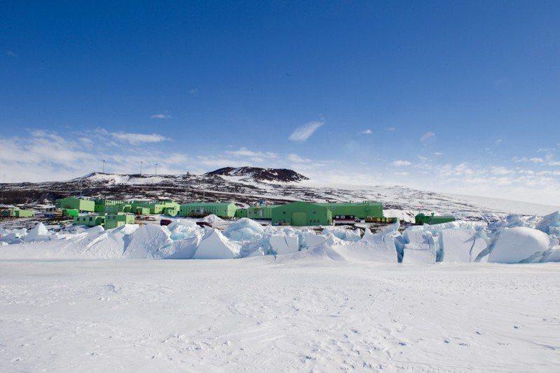 南極洲科研活動因全球疫情肆虐,將大幅降低規模,避免疫情擴散至全球最後淨土。(photo by U.S. Department of State via flickr, used under CC License)