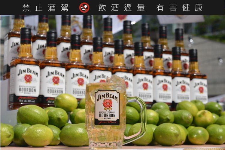 Highball喝起來清涼爽快,受到許多年輕族群喜愛。圖/台灣三得利提供