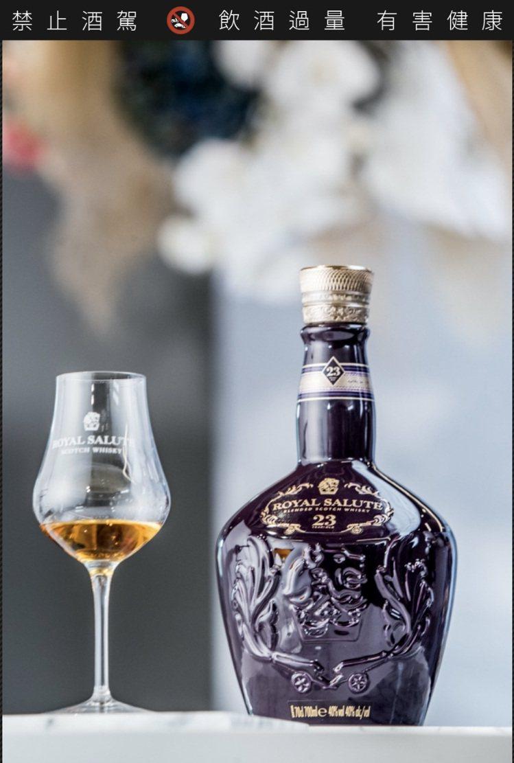 純飲最能展現威士忌的原始風情。圖/保樂力加提供