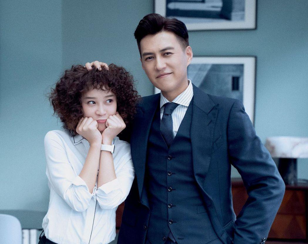 靳東(右)、藍盈瑩主演「精英律師」。圖/中天娛樂台提供