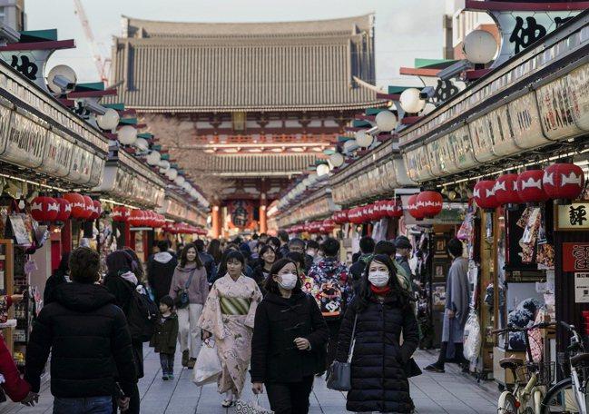 日本政府原指望奧運帶動觀光,使今年海外觀光客人次達到4,000萬,如今總人數可能...