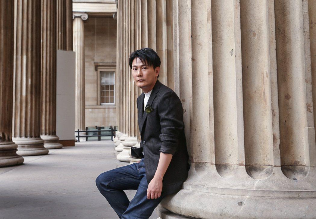 張信哲受邀為音樂人趙英俊的作品重唱計劃獻聲。圖/潮水音樂提供