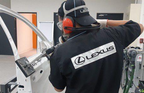 LEXUS導入鋁合金外板維修 提升顧客滿意度