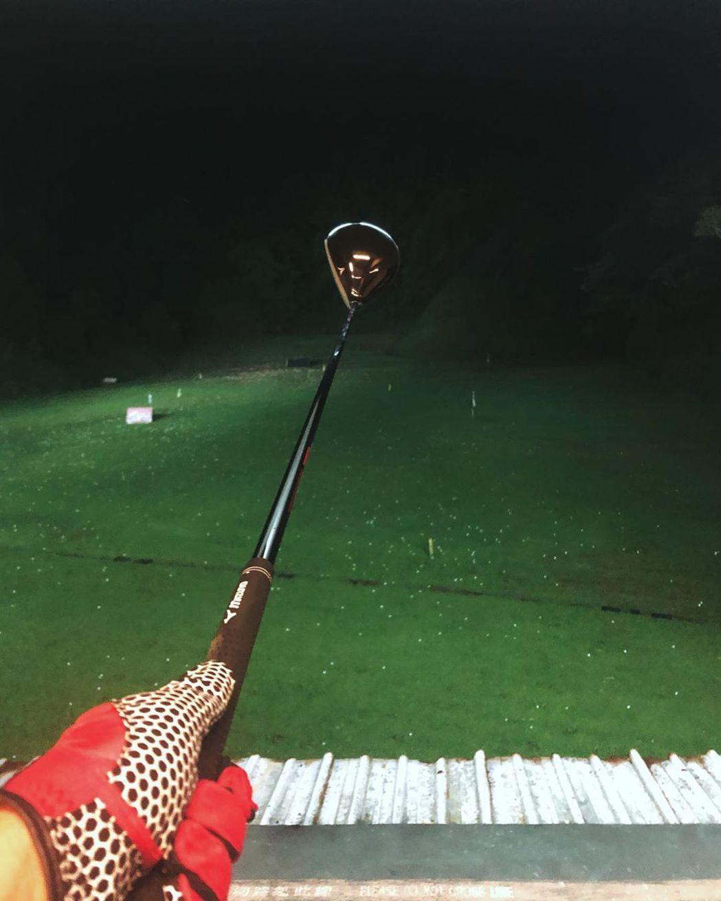 羅志祥之前曾貼出在練習打高爾夫球的照片。 圖/擷自羅志祥IG