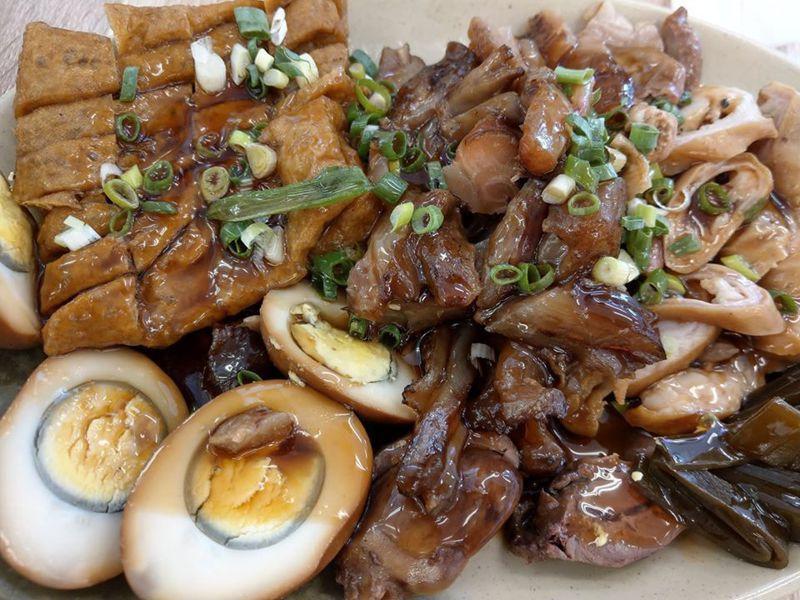 麵食館點牛筋和大腸滷味拼盤居然要價570元。圖片來源/ 臉書