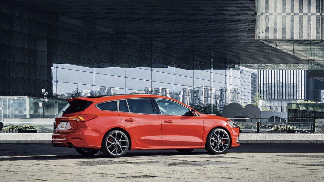 全新上市的Ford Focus ST Wagon將以高性能魅力、豐富科技、空間機...