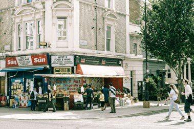 【倫敦男子的生活日常】疫情下的糧食救星:英國人的柑仔店「Corner Shop」
