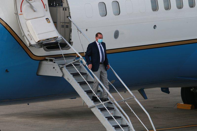 美國衛生部長阿查爾昨天天下午率團搭乘專機抵達台灣。 圖/聯合報系資料照片