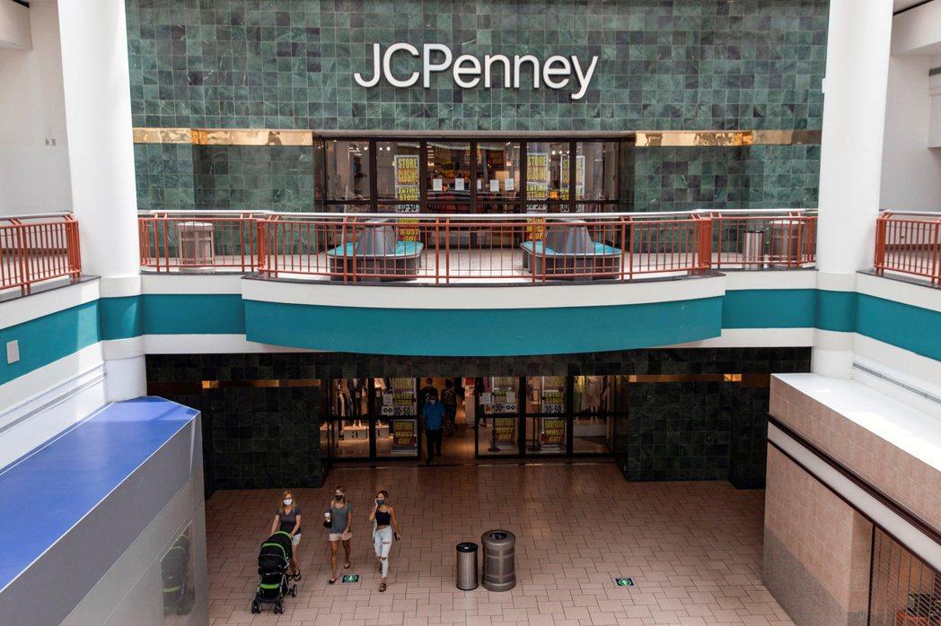 全美最大的購物中心業主Simon物業集團,擁有63家J.C. Penney與11...