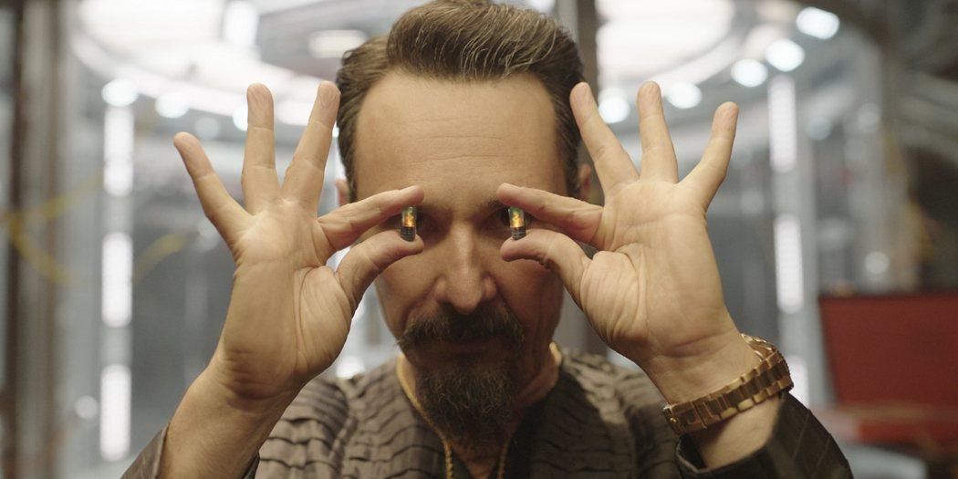 羅德林哥桑特羅在「超能計畫」展現驚人超能力。圖/Netflix提供