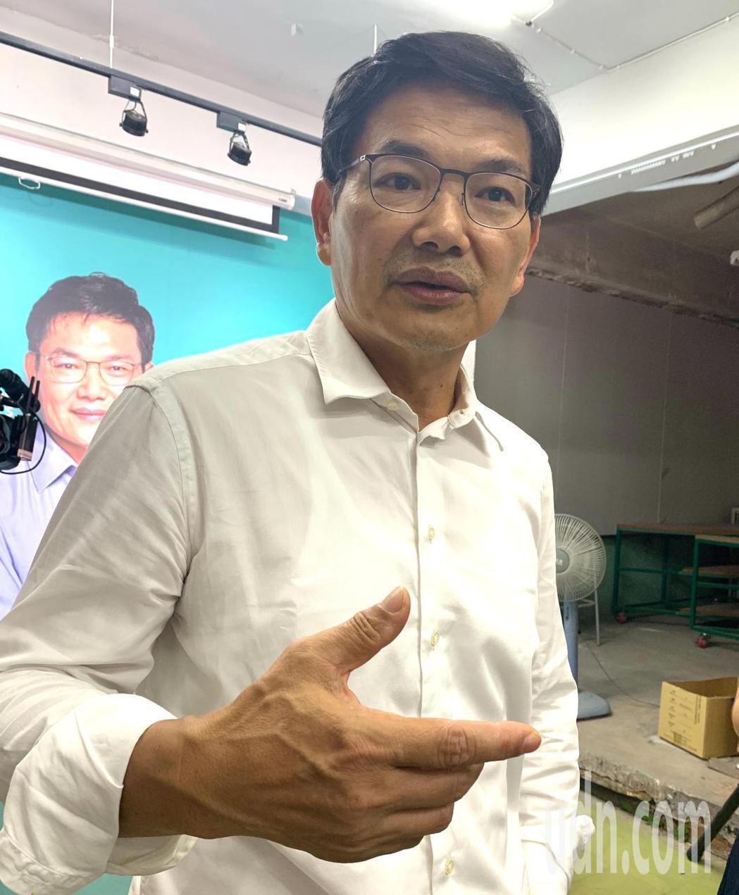 高雄市長補選候選人吳益政表示,反對港版國安法、反對一國兩制,強調中國政府一意孤行...