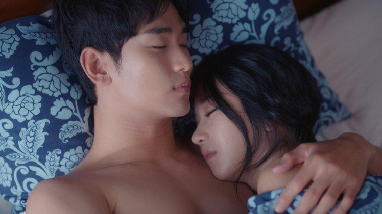 金秀賢和徐睿知最後一集祭出床戲。圖/Netflix提供