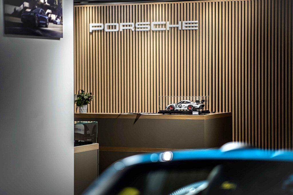 Porsche NOW全新型態概念店桃園據點於8月7日正式開幕,預計長駐新光影城...
