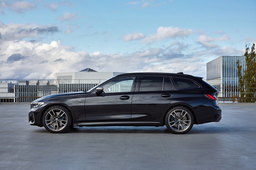 圖為M340i xDrive Touring (G21)。 摘自BMW
