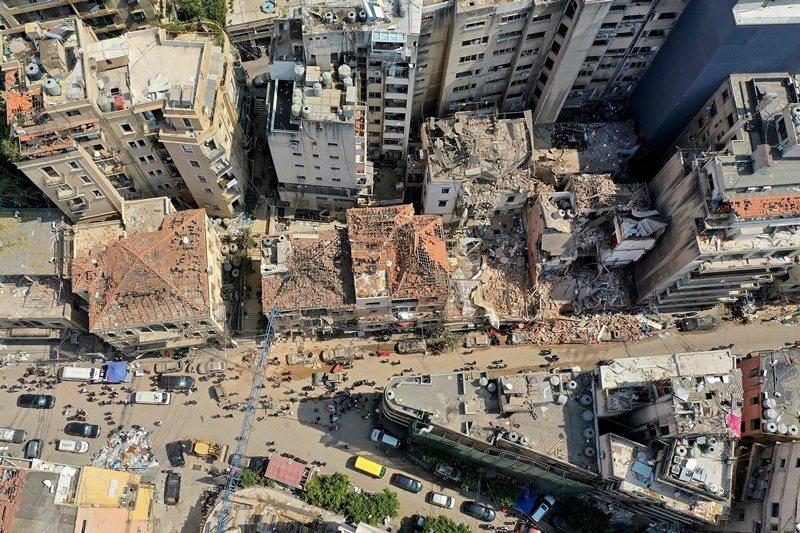 港口爆炸摧毀許多本已貧窮的社區,更打擊搖搖欲墜的中產階級,圖攝於8月7日。 圖/法新社