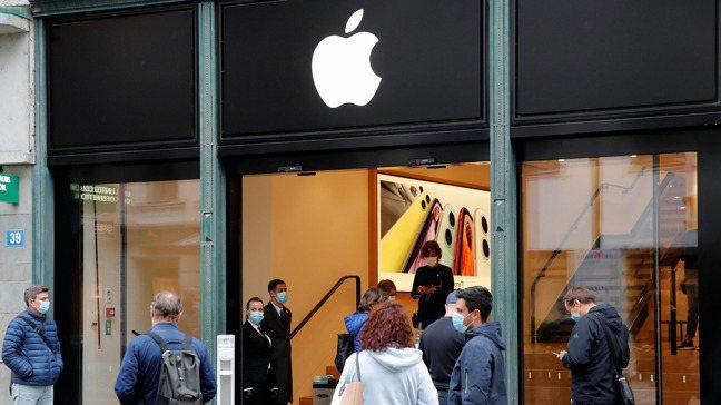 分析師持續調高蘋果目標價。 圖/路透