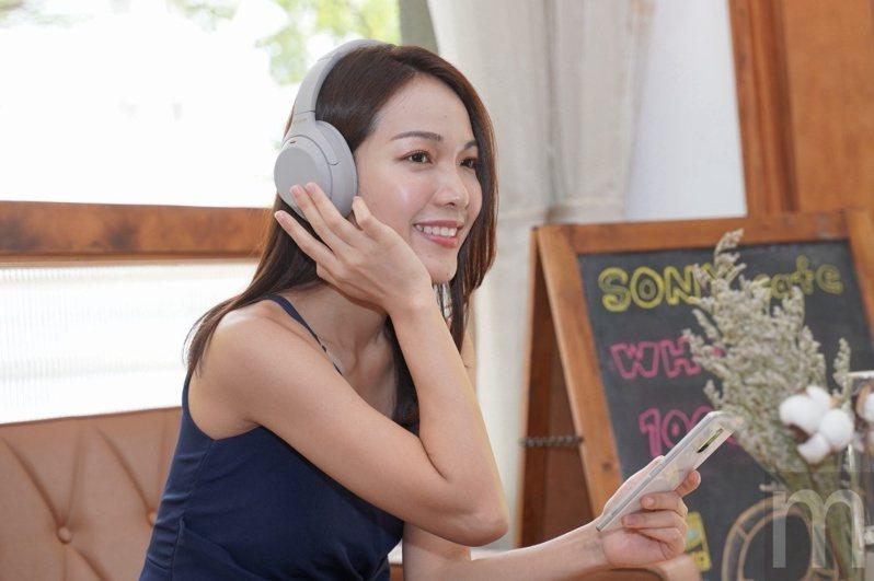 ▲Sony新款WH-1000XM4全罩式降噪耳機