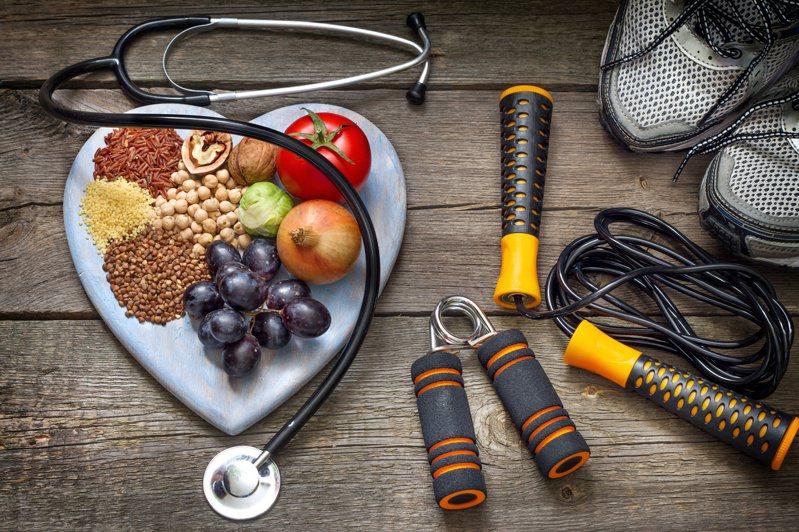 減肥最佳之道,必須飲食控制與運動兼具。圖/123RF