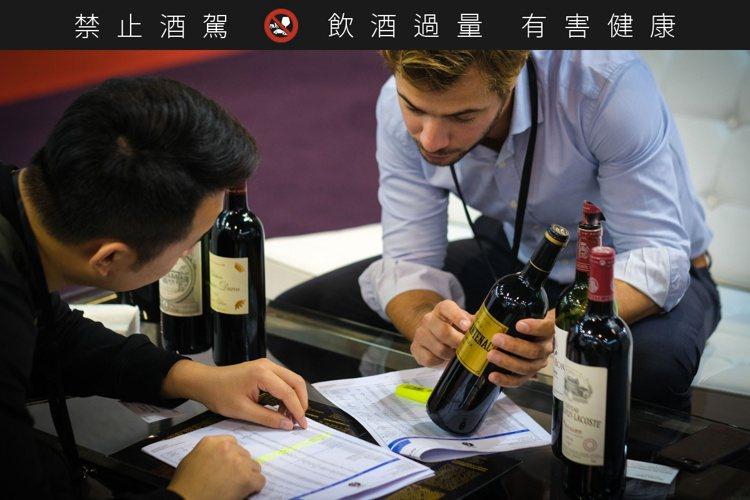 各大品牌透過「Vinexpo上海」,積極搶進中國市場。圖/Vinexpo提供
