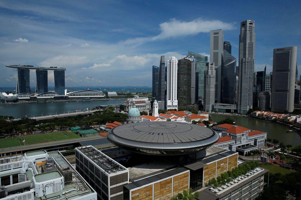 新加坡上季經濟萎縮42.9%。 (路透)