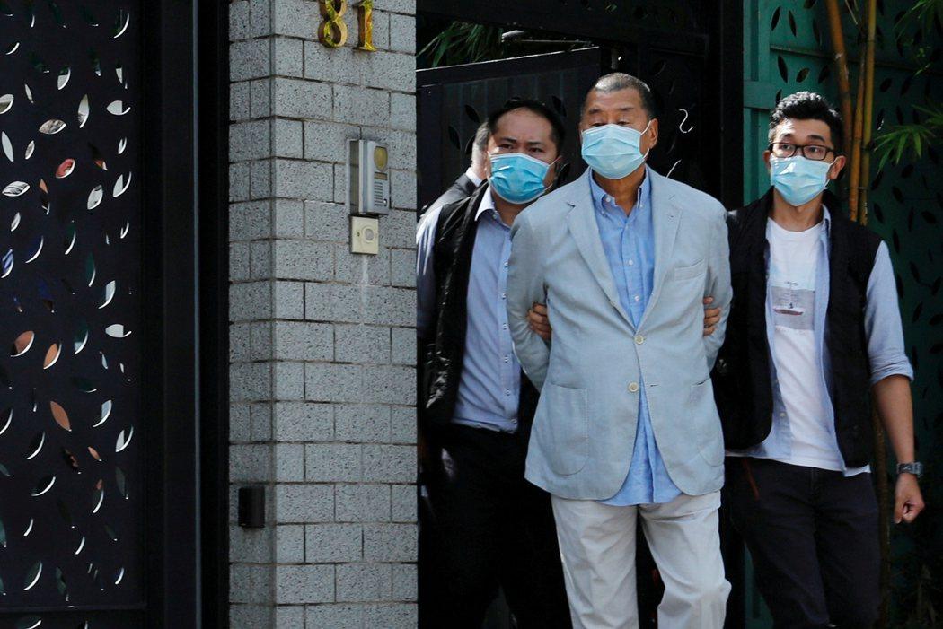 壹傳媒創辦人黎智英10日被逮捕,引發輿論譁然。路透