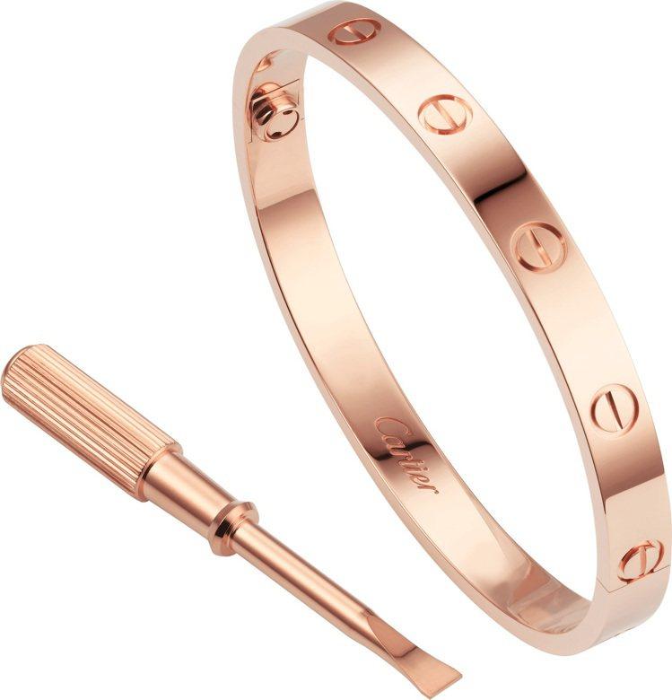 卡地亞LOVE玫瑰金手環經典款,推薦價,19萬3,000元。圖/卡地亞提供