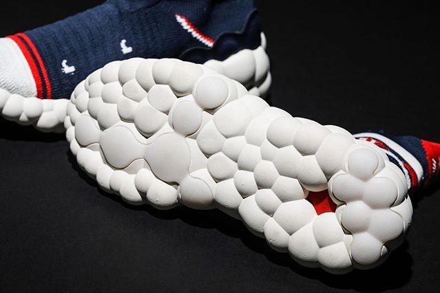 mizuno二代RHRN ENERZY潮鞋,搭載了ENERZY CORE中底,外...