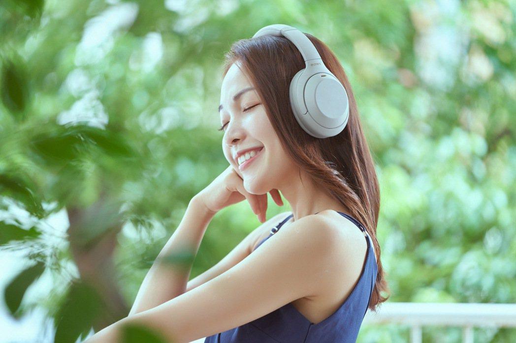 承襲Sony 1000X系列強大的降噪效果,WH-1000XM4帶來更多智慧聆聽...