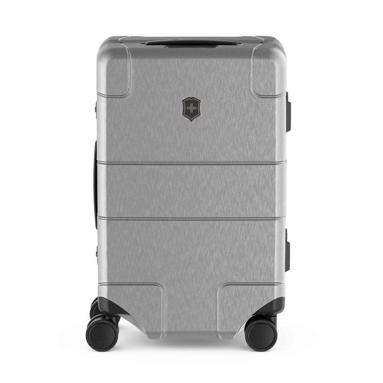Lexicon Framed系列大型行李箱28,000元。圖/Victorino...