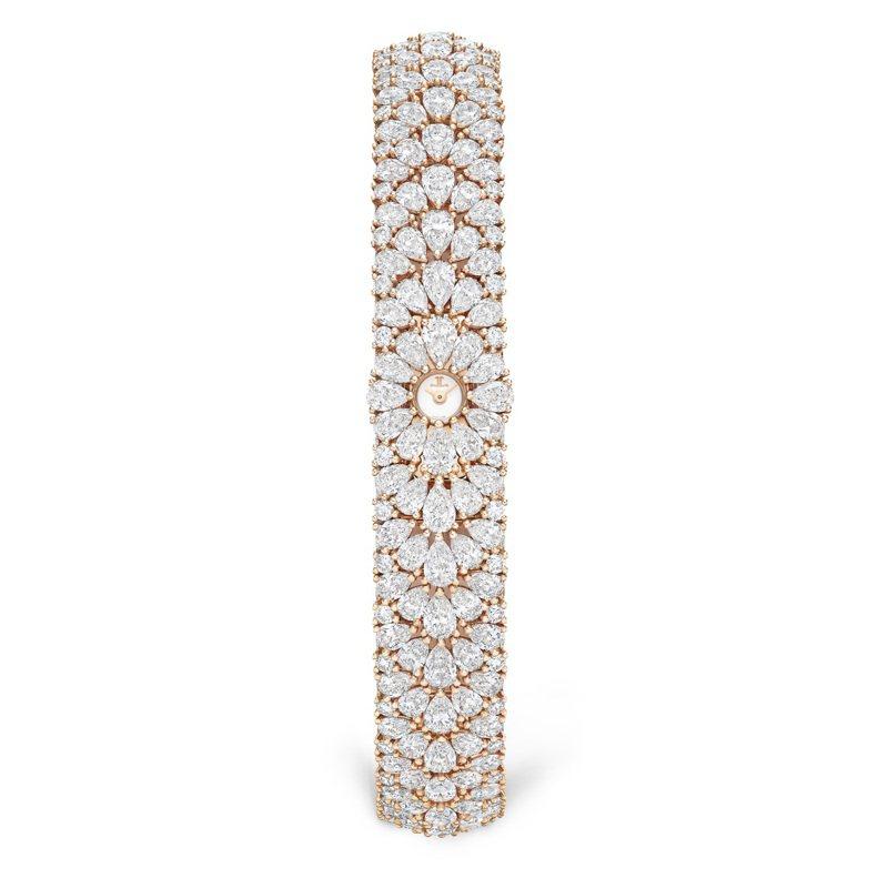 Jaeger-LeCoultre,Snowdrop腕表,玫瑰金,鑲嵌904顆鑽石,總重約20.9克拉,價格店洽。圖 / Jaeger-LeCoultre提供。