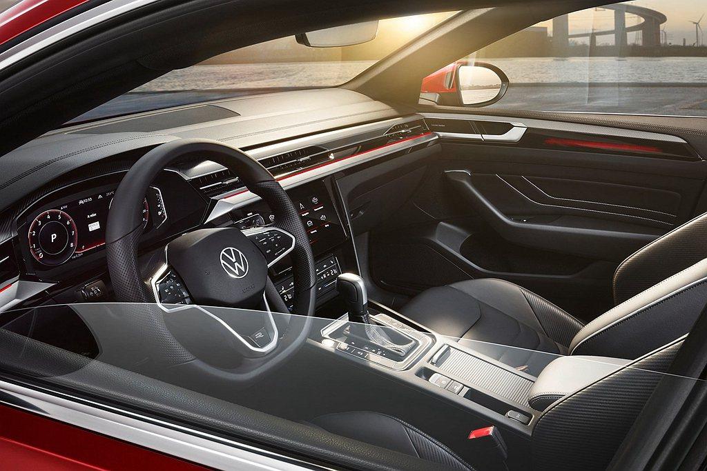 內裝有福斯Digital Cockpit Pro數位座艙、8.0吋多功能觸控螢幕...