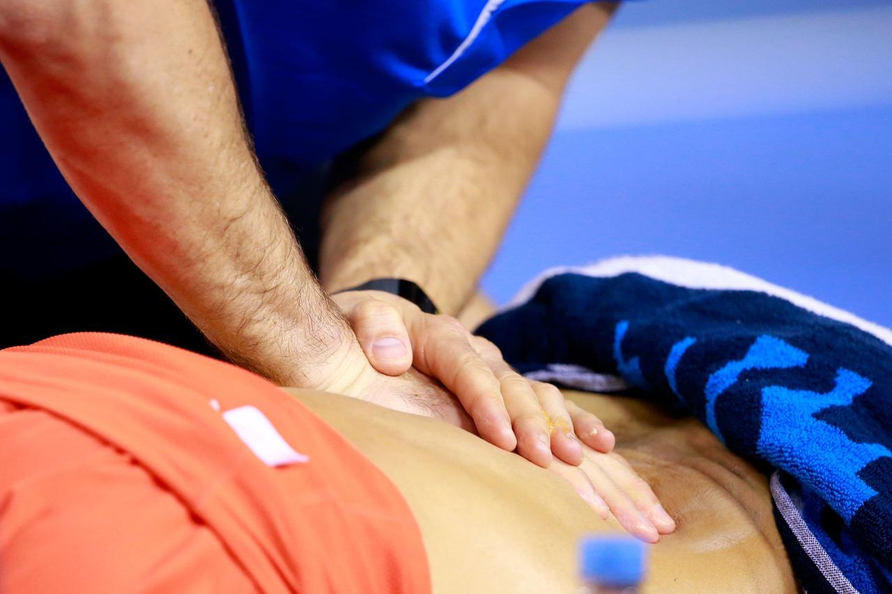 腰痛是成人常見的痛症。 圖/Images