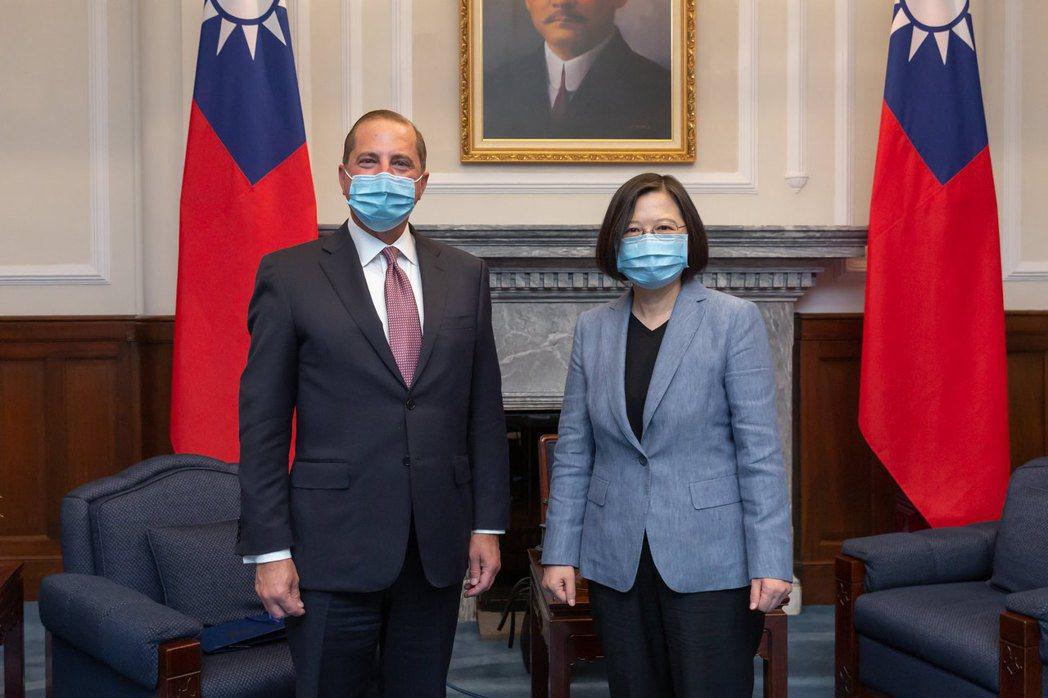 8月10日,總統蔡英文接見美國衛生部長阿薩爾訪問團。 圖/總統府Flickr