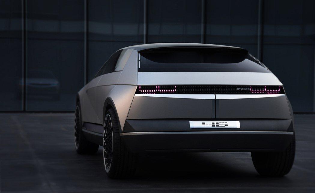 Hyundai 45 EV Concept,未來量產後的車名已確定為「Ioniq...