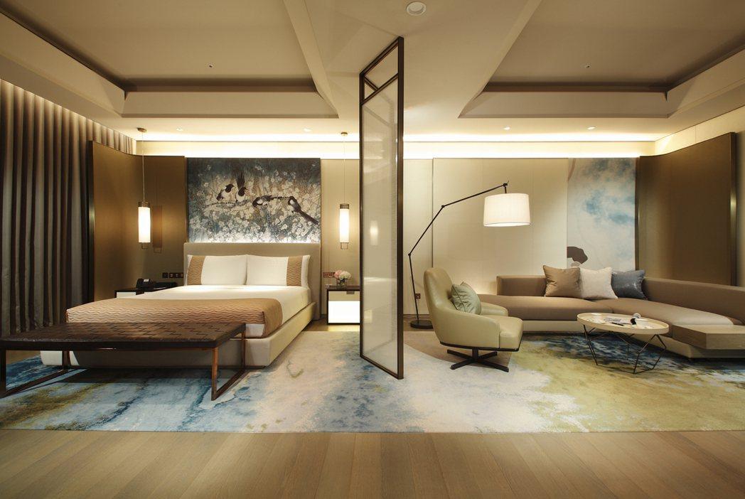 台北美福推出「甜蜜微醺」情人住房,可享受米其林推薦頂級客房。 台北美福/提供。