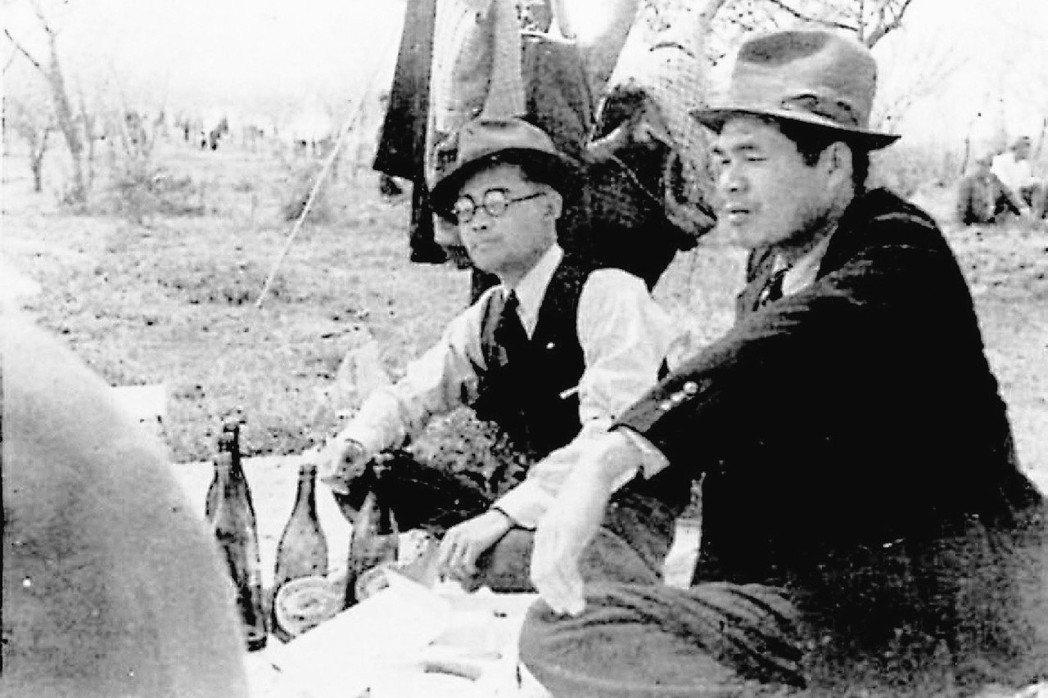 吳濁流(右)一直覺得自己是記者,想把台灣的歷史紀錄下來。 圖/聯合報系資料照