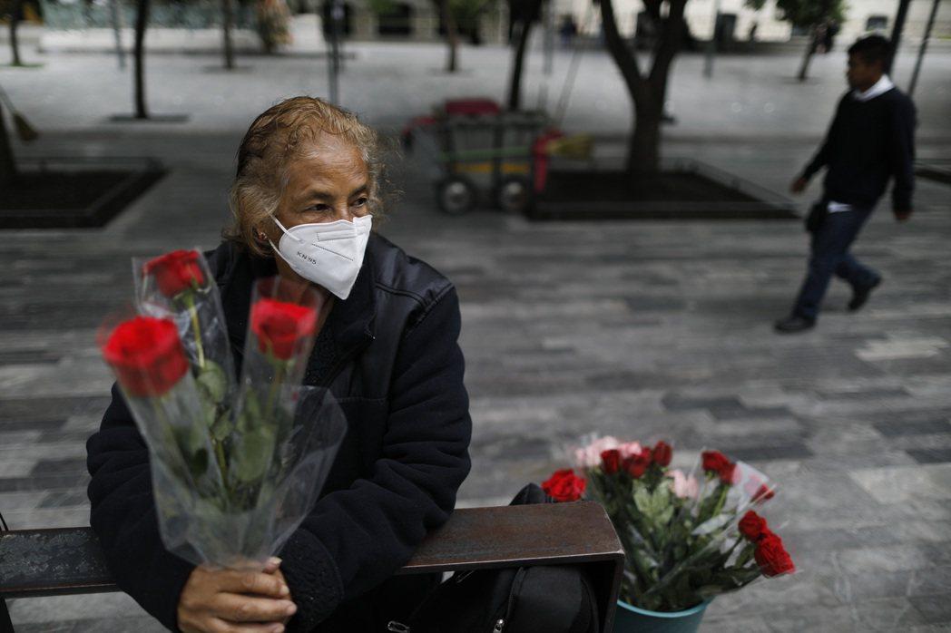 法新社報導,截至今天,墨西哥累計5萬3000人死於這波疫情,但康復者中至少53人...