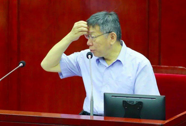 台灣民眾黨主席柯文哲表示,每次選舉到了,就把香港拿出來,選完又沒有了。他批評「全部都是選舉操作」。本報資料照片