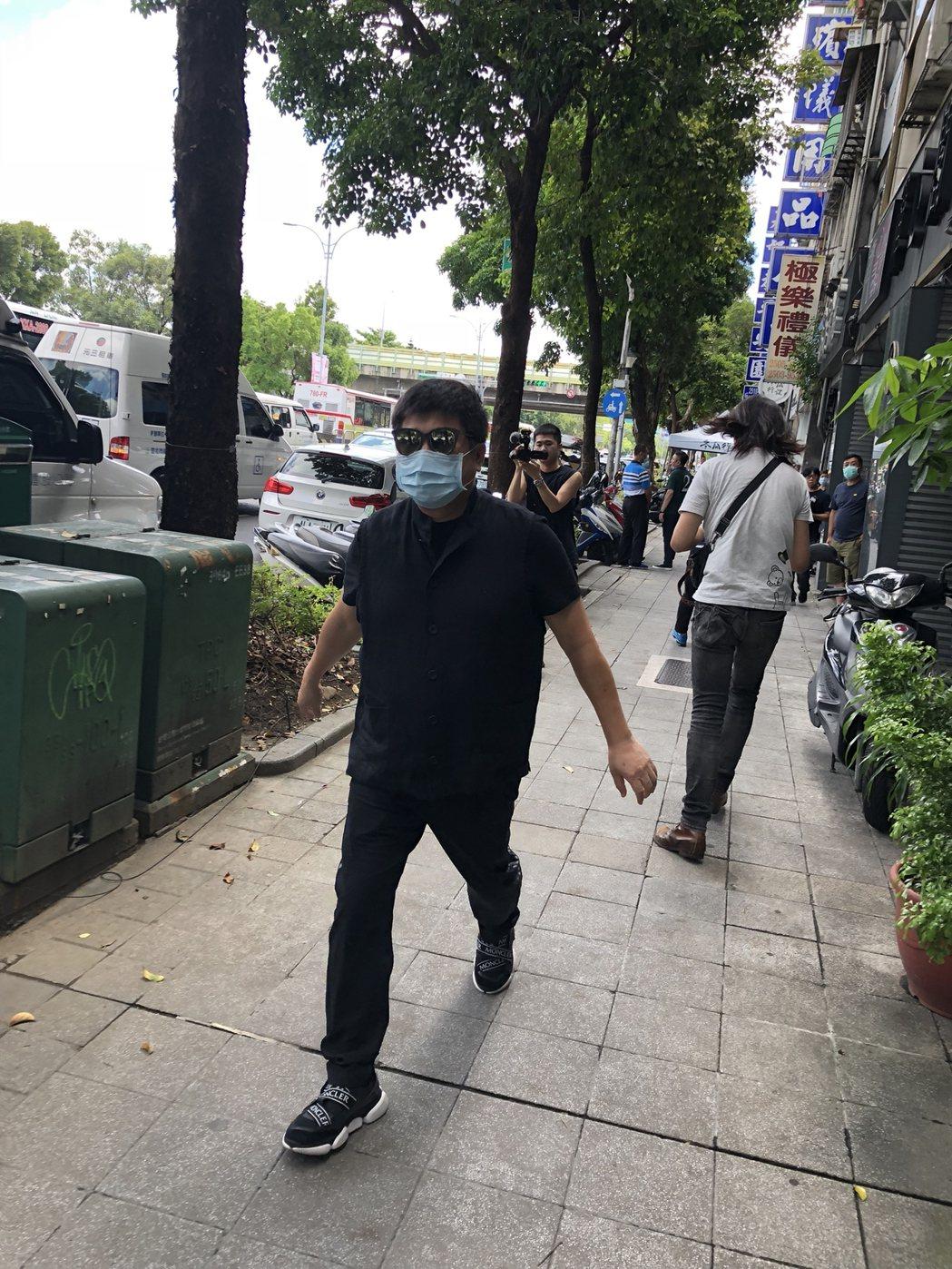 胡瓜今到羅霈穎靈堂哀悼。記者林士傑/攝影