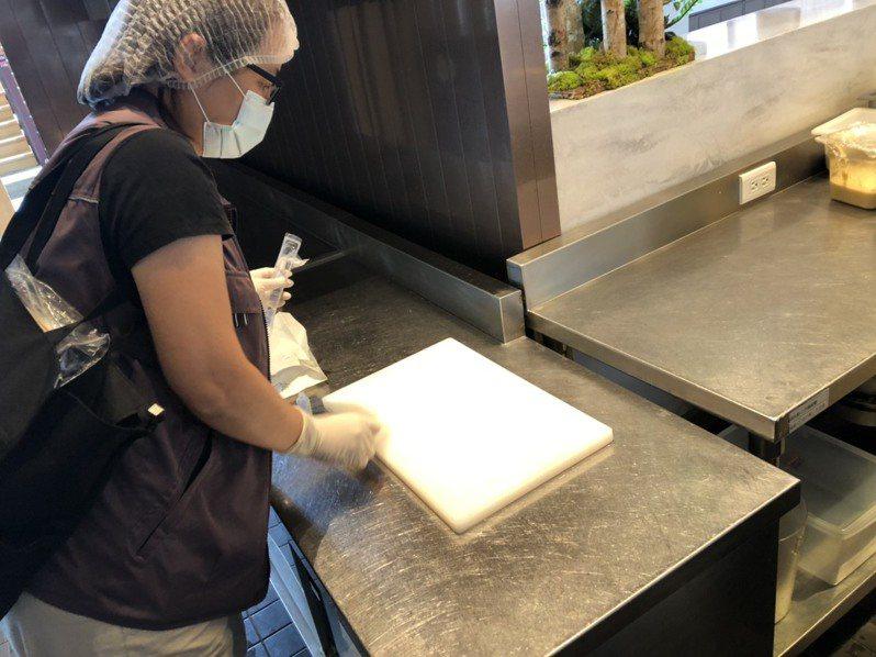 宜蘭縣礁溪老爺疑食品中毒案,部分人體檢體驗出諾羅病毒,業者今天發出聲明致歉。圖/宜蘭縣衛生局提供
